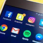 Social-Media-Handy